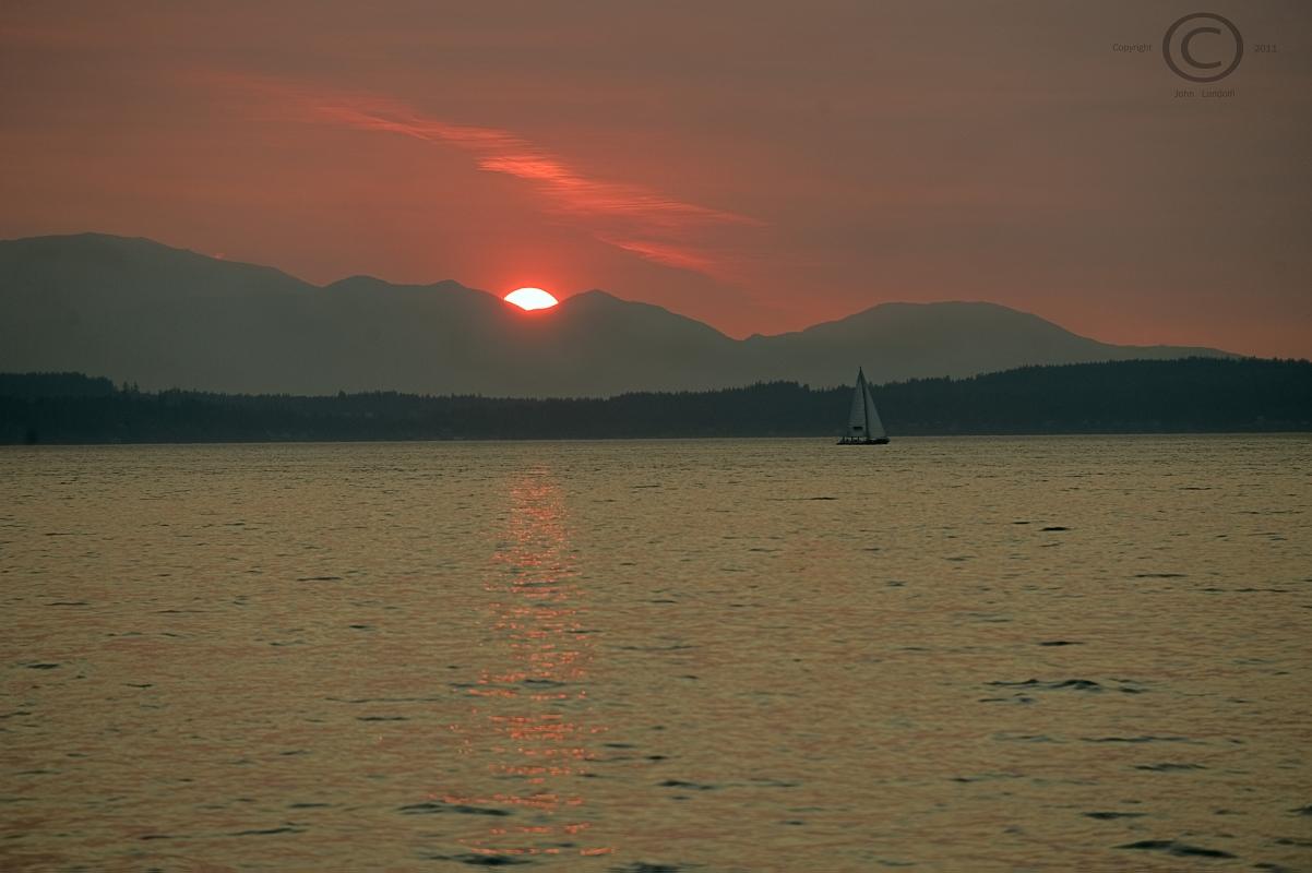 Olympics-from-Alki-Beach,-Seattle