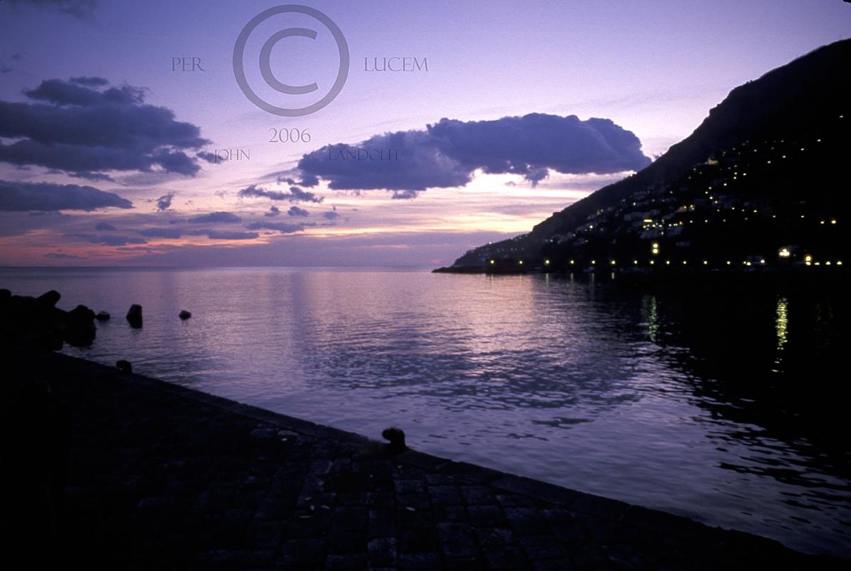 Amalfi-Harbor,-Italy