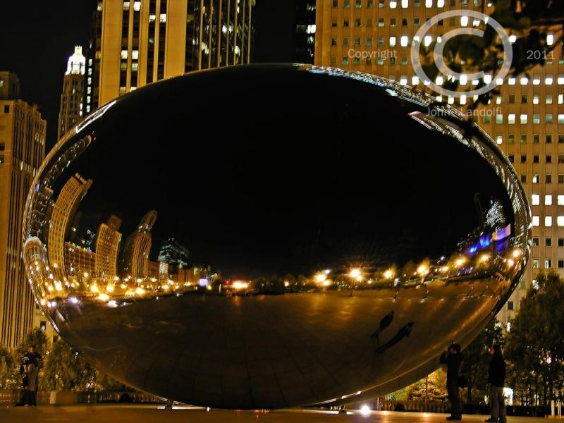 Chicago,-Millennium-Park-The-Egg
