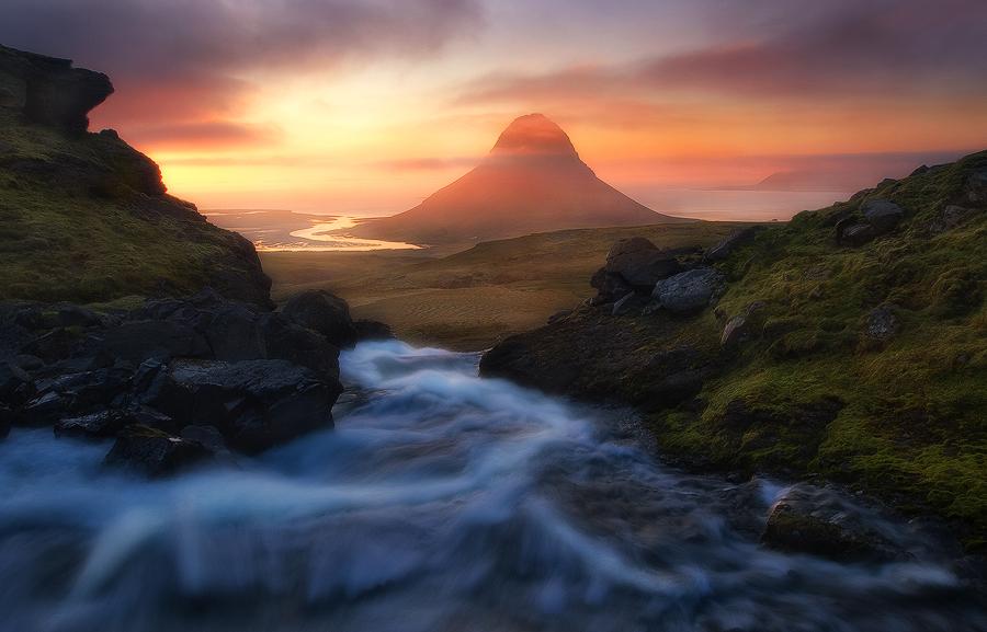 The Flow to Kirkjufell