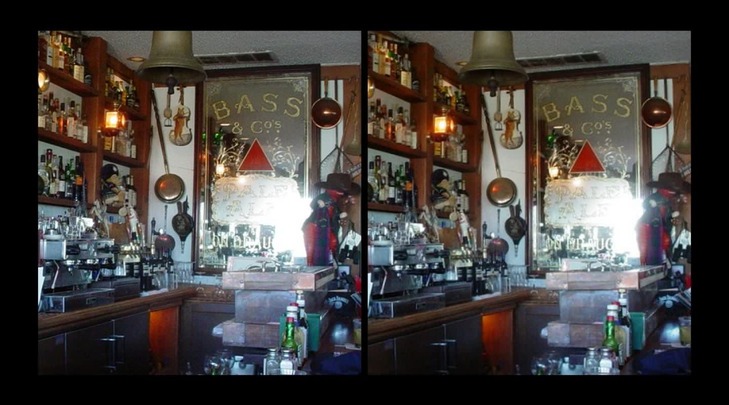 The bar of the Cat 'N Fiddle Restaurant in Sausalito, CA.