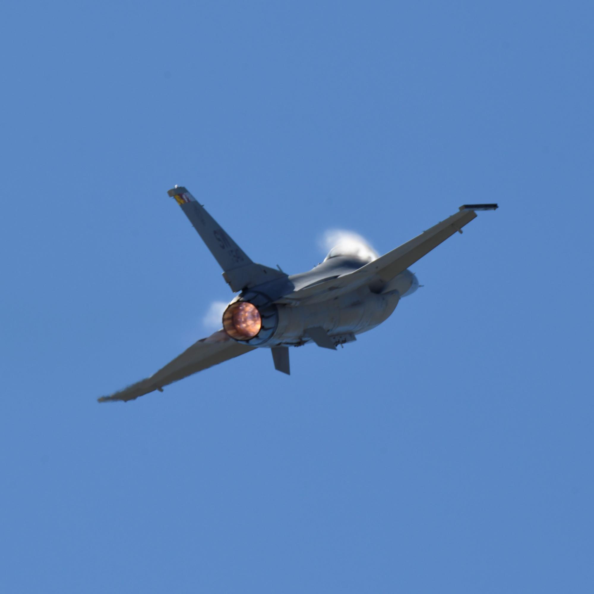 F1612