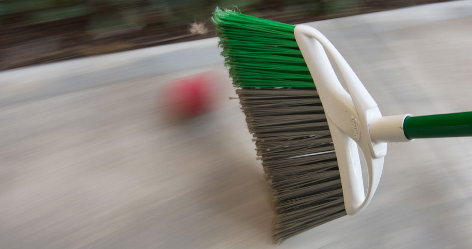 Panning-Broom-&-Red-Ball