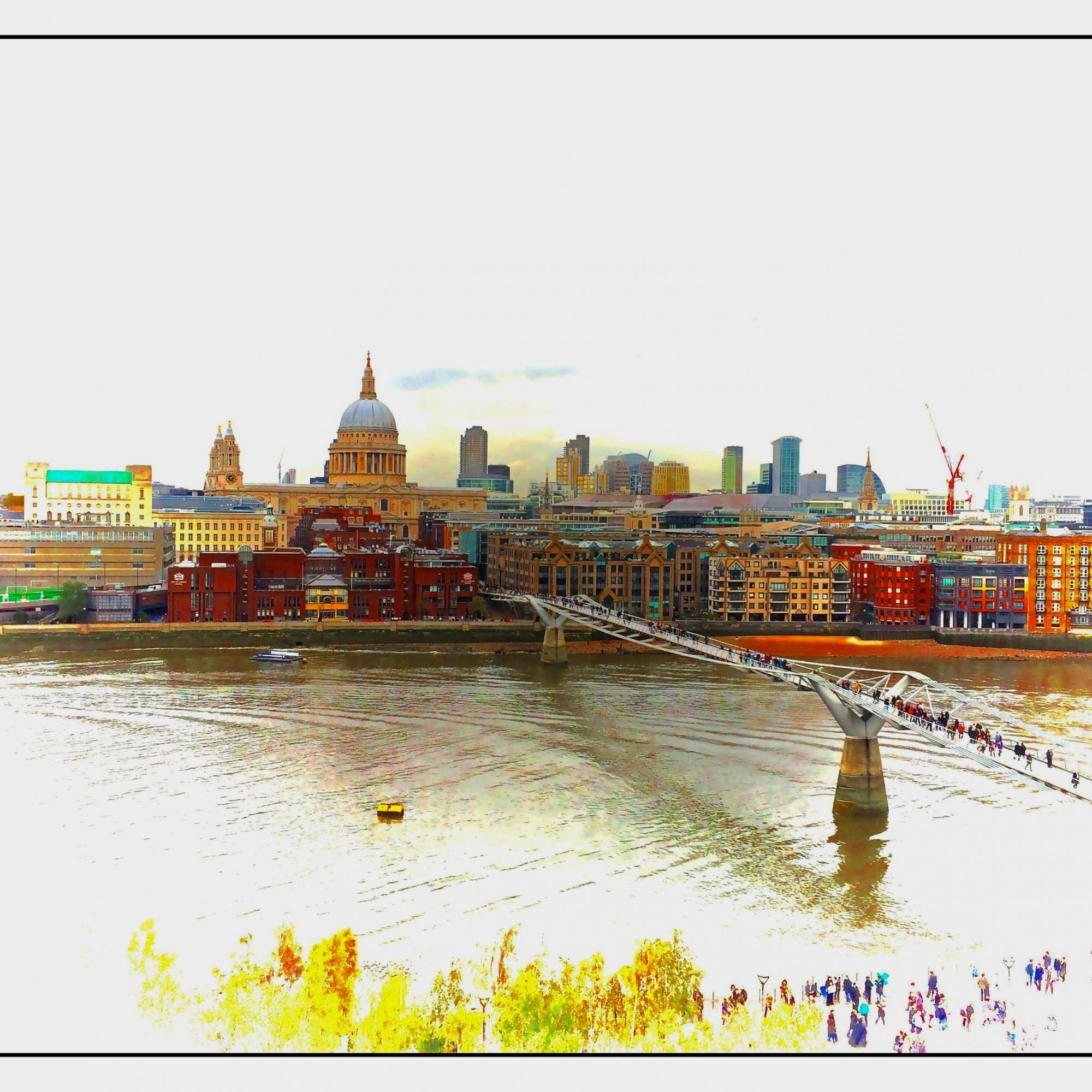 Millennium Bridge and the City of London