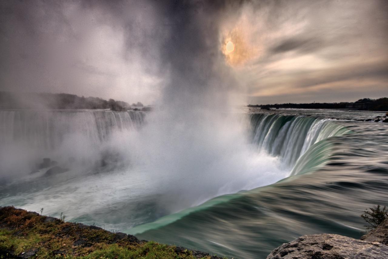 Niagara Sunrise