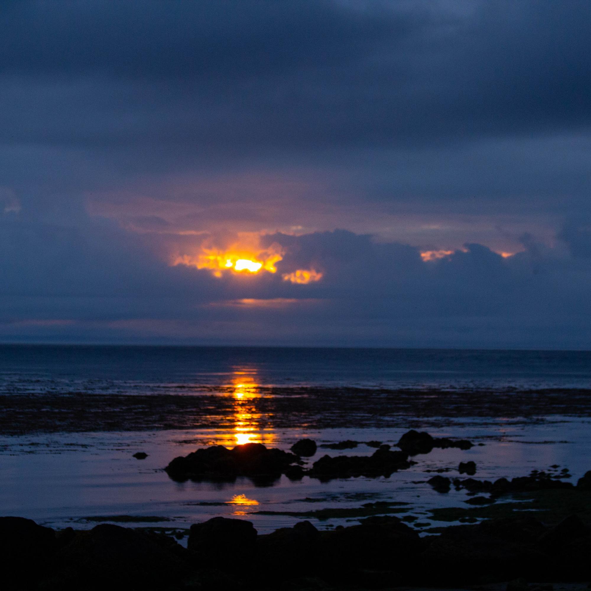CHITO BEACH SUNRISE