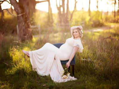 Beautiful Spring Maternity Photography ... image