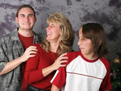 Family Portrait Posing Mistakes image