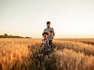 Use These Family Portrait Tips for Better ... image