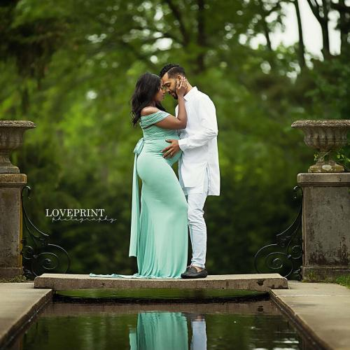 How to Pose Couples for Maternity Photography