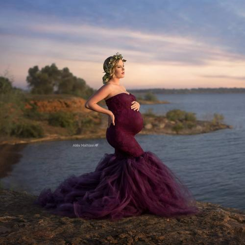 What You Need to Know Before Becoming a Maternity Photographer