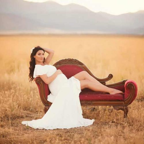 12 Gorgeous Examples of How to Take Maternity Photos