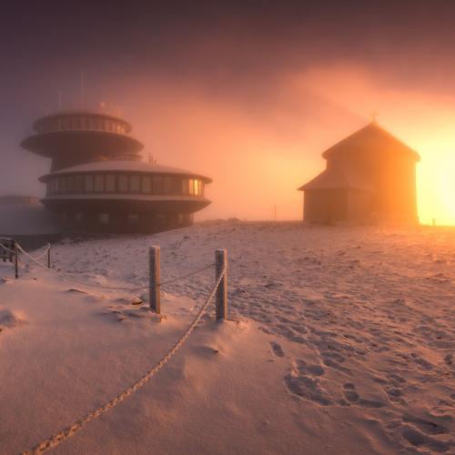 Sniezka sunrise by Paweł Uchorczak
