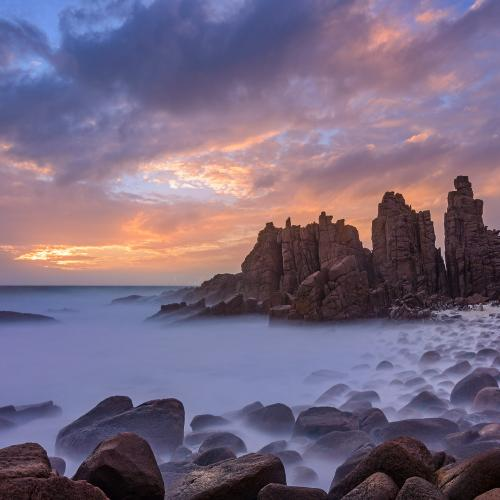 Sunset over the pinnacles by Nico Babot