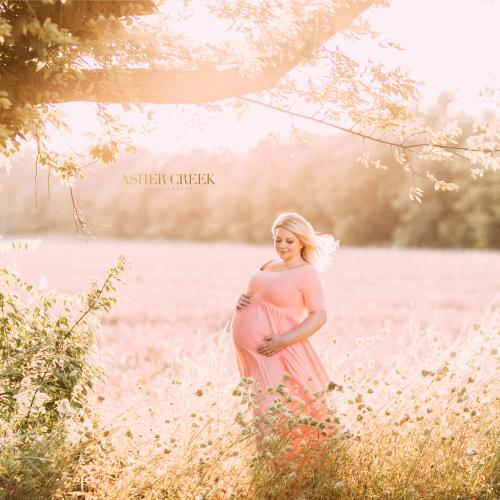 4 Easy, Yet Stunning Maternity Photography Ideas