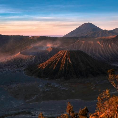 Sunrise at Mt Bromo by Siswanto