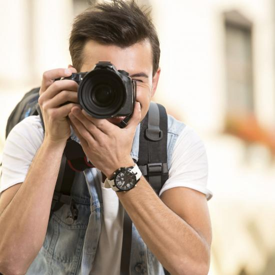 6 Great Gear Choices for Street and Event Photographers