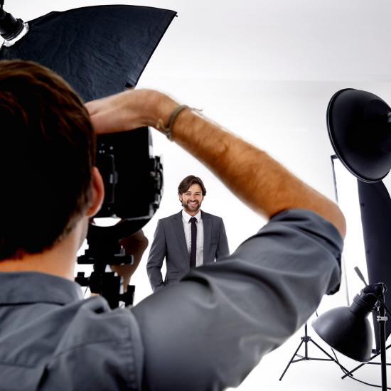 """A Photography Franchise vs. """"Going It Alone"""" for Starting a Photography Business"""
