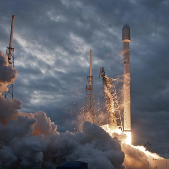 Elon Musk Tweeted a Pic of His Rocket Launch and Refuses to Credit the Photog