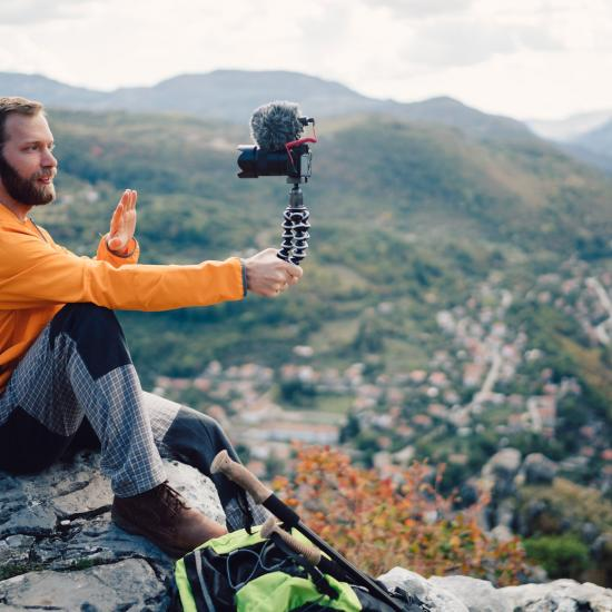 Simple Tips for Vlogging: How to Create Better Content