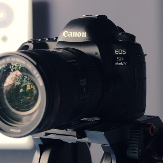 Canon Has Some Crazy Rebates on Popular Cameras Right Now