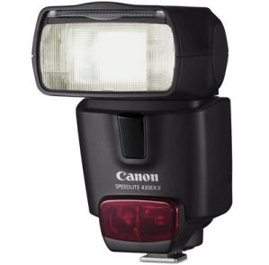 """15 Standing Ovations for the """"Brilliance"""" of the Canon Speedlite 430EX II Flash"""