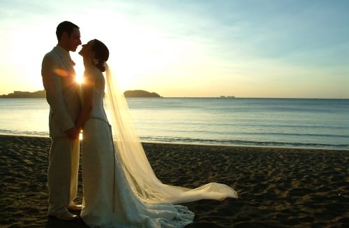How to Make Money out of Wedding Photography (breaking in)