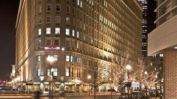 Travel Photography: Boston: The Boston Park Plaza Hotel