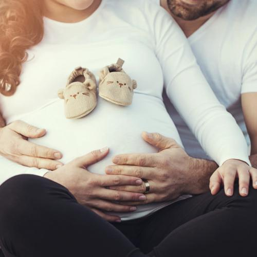 Essential Tips for Preparing Your Pregnant Client for Her Photo Shoot